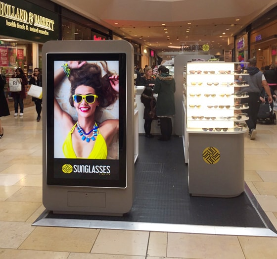 sunglasses hut digital signage case study
