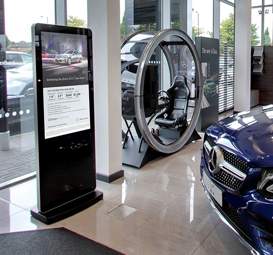 mercedes benz digital signage case study